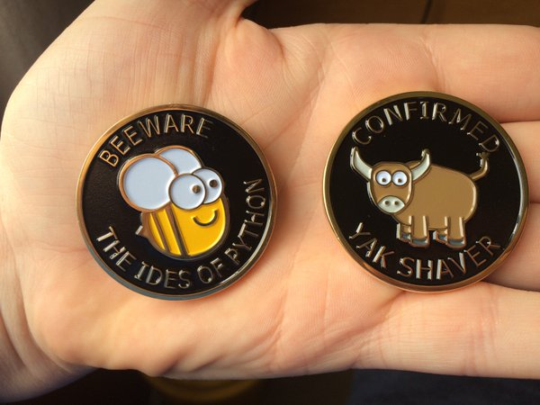 The front and back of the BeeWare Challenge Coin.